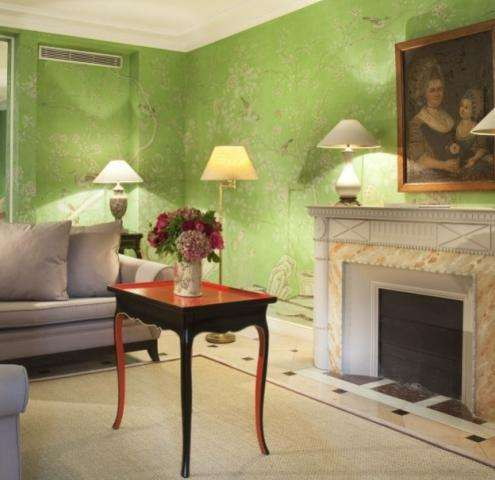Paris hotel best rates - a great way to save this summer